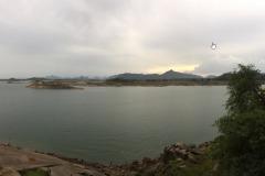 gal-oya-national-park-lake